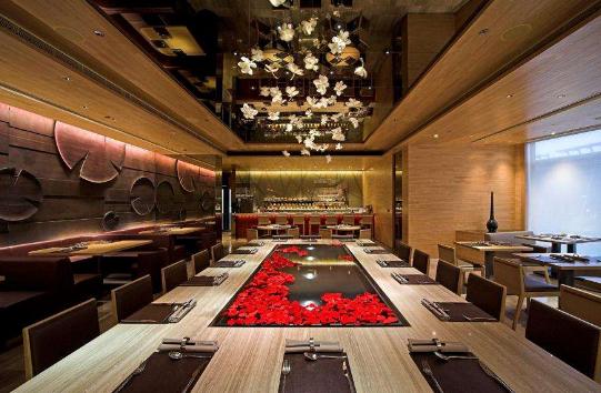 大型西餐厅装修风格和效果